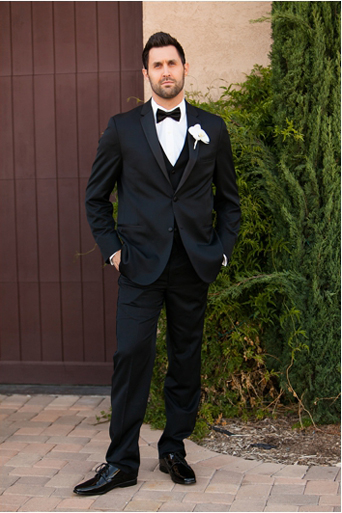 Black Desire tuxedo, Michael kors tuxedo, slim fit, gershon bachus vintners, Temecula wedding, Michelle Garibay events, if you are thinking about a destination wedding, wine country, gold wedding, boutique feel, luxury, luxurious, lavish, elegant, regal, Jaime elyse couture, groom full body