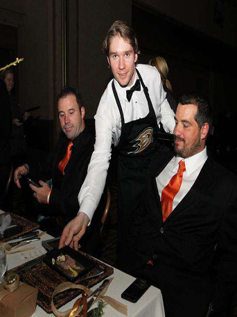 Anaheim Ducks, Dux in Tux 2015, charity event, dress to impress, chef, orange county dining, hockey, sports, Anaheim ducks foundation, Anaheim Hilton, ducks serving food