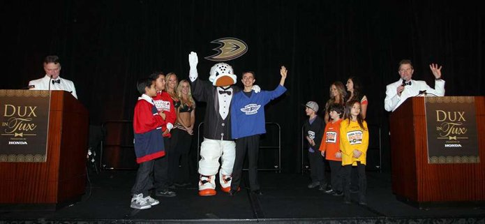 Anaheim Ducks, Dux in Tux 2015, charity event, dress to impress, chef, orange county dining, hockey, sports, Anaheim ducks foundation, Anaheim Hilton, dux charity
