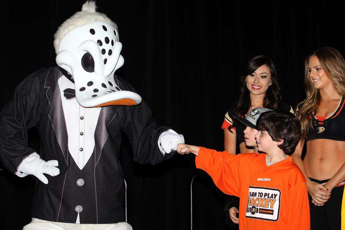 Anaheim Ducks, Dux in Tux 2015, charity event, dress to impress, chef, orange county dining, hockey, sports, Anaheim ducks foundation, Anaheim Hilton, pounding it with the dux