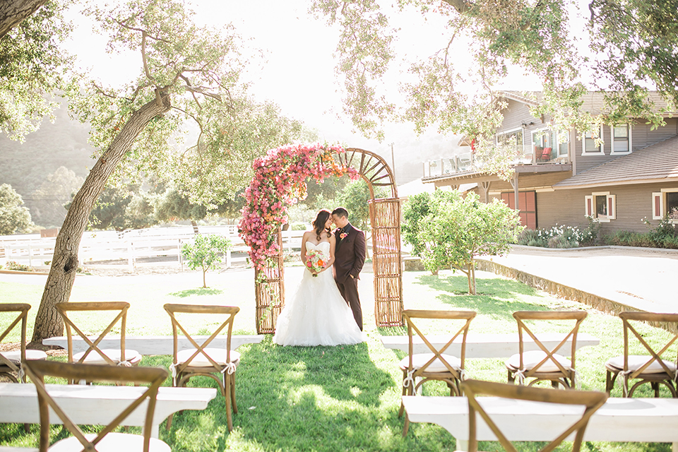 Colorful Rustic Wedding Under the Oak Trees