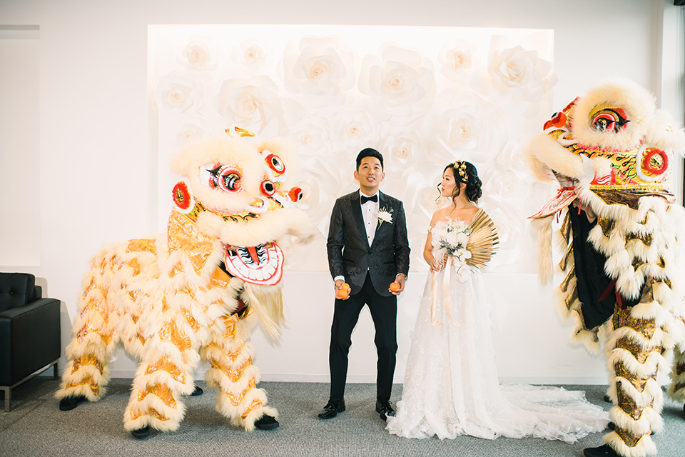 Modern Chinese Wedding with Gold Details