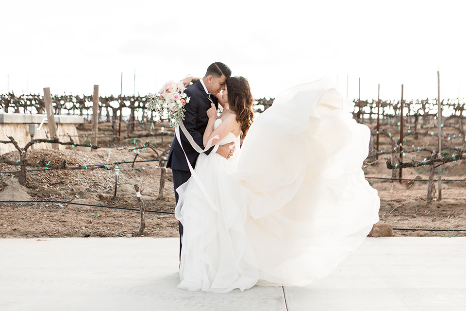 Elegant + Trendy Wedding at Lorimar Winery